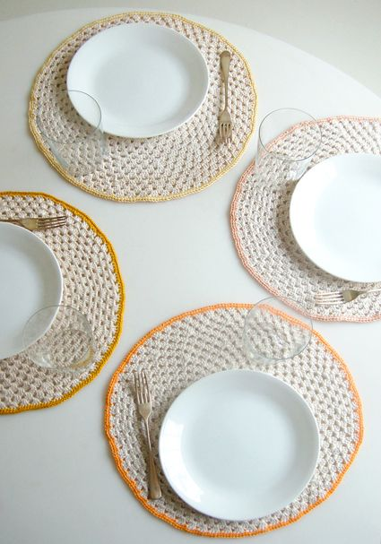 from the site purl bee...crocheted place mats...love this site for modern crochet patterns