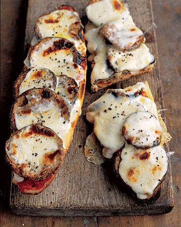 tartines d'aubergine et mozzarella passées au four
