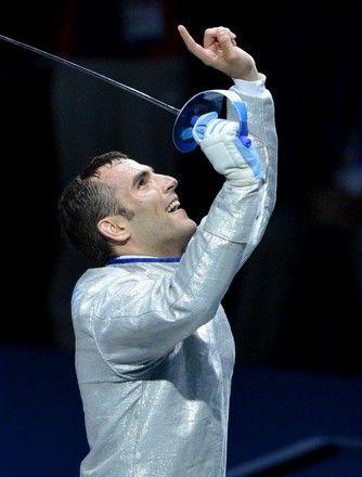Szilágyi Áron olimpiai bajnok férfi kardvívásban.