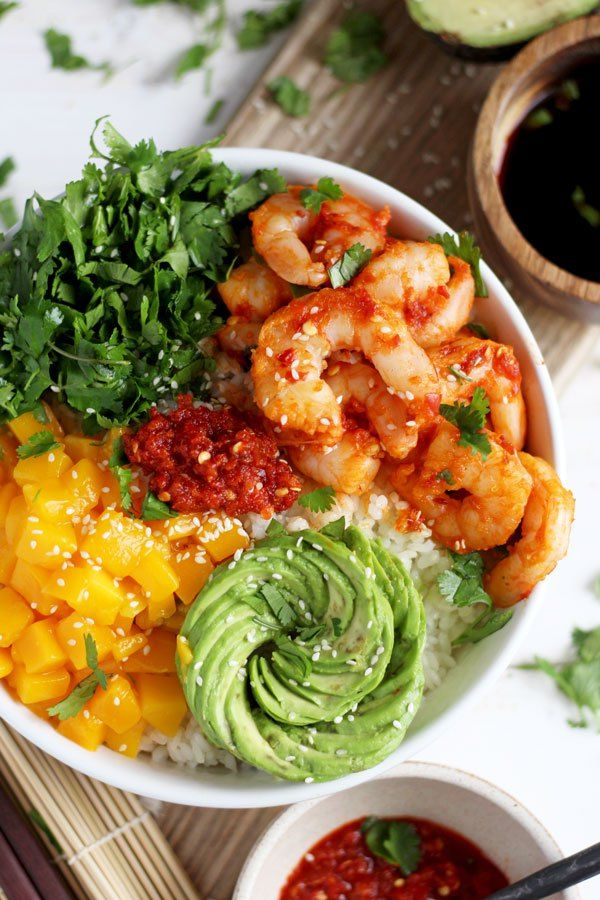 Spicy Shrimp, Mango and Avocado Sushi Bowl - a quick and healthy lunch or dinner! thewoodenskillet.com