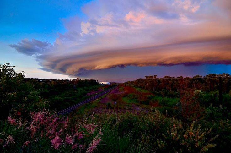 A nice shelf cloud rolling into town, taken at Darwin, NT Australia