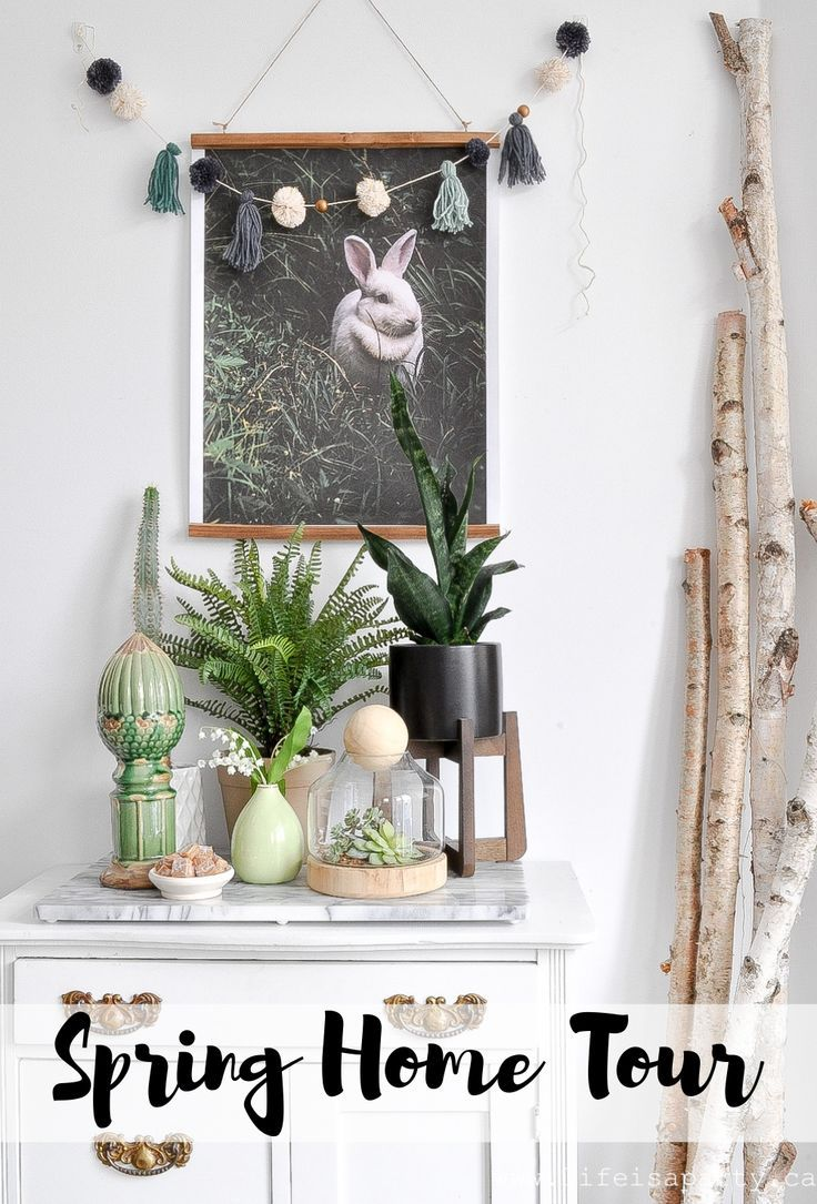 Spring Home Tour: black, white and green decor for spring including lots and lots of plants, flowers, vintage and Easter…