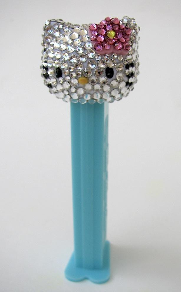 Sachi designs swarovski crystal pez for Pez cuchillo cristal