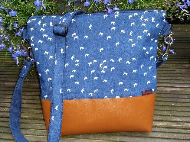 Diese Tasche ist einfache in Musthave. Durch den verstellbaren Träger kann sie quer oder aber auch einfach über der Schulter getragen werden.  Der Träger ist von 70-130 cm verstellbar und ist...
