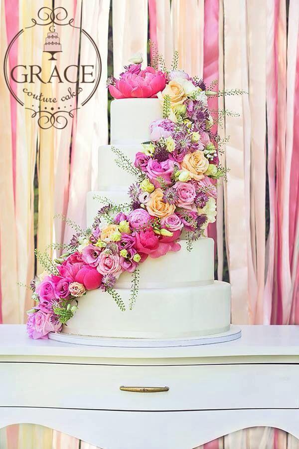 Wedding floral cake www.gracecc.ro