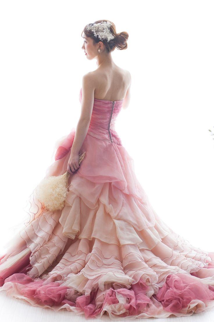 ピンクグラデーションの麻のドレス