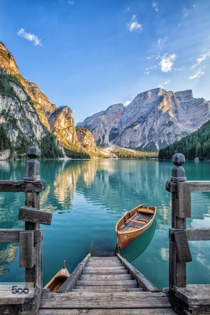 Sunny Lago di Braies  Copyright Giovanni Chiossi Photo 2015  My FB: Giovanni Chiossi My 500px: https://500px.com/giovannichiossiice My Instagram: Giovanni Chiossi   Info: chio1987@hotmail.it