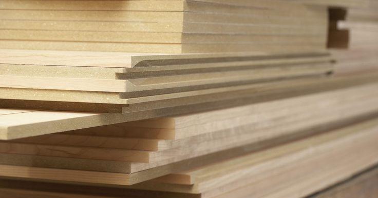 ¿Qué madera es más dura: caoba, castaño o cedro?. Las propiedades de una especie de madera afectan la utilidad en la construcción, muebles y otros propósitos. Una de estas propiedades es la dureza de la madera, o capacidad de resistir las melladuras cuando se golpean. La industria de los pisos de madera utiliza una guía numérica denominada escala janka que describe la dureza. Mientras mayor sea ...