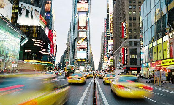Fantastiske rundrejser i hele verden med Bravo Tours. Køb rejsen på www.bravotours.dk #BravoTours #SåSigerManBravo #FeriePåDansk #USA #NewYork #NY #Culture #Yellow #Cab #Taxi #Manhattan #City #TimeSquare #RushHour