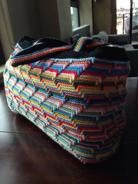 Ravelry: Zig Zag Tote Bag pattern by Michelle Westlund