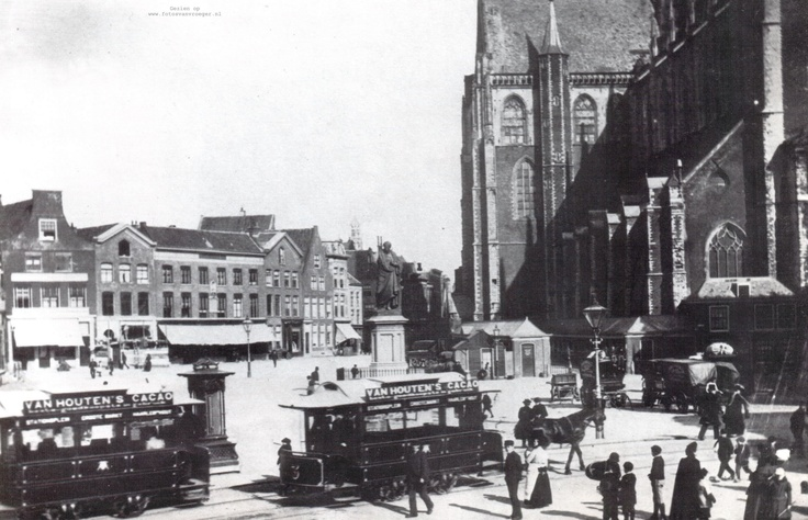 Grote markt in Haarlem met trams