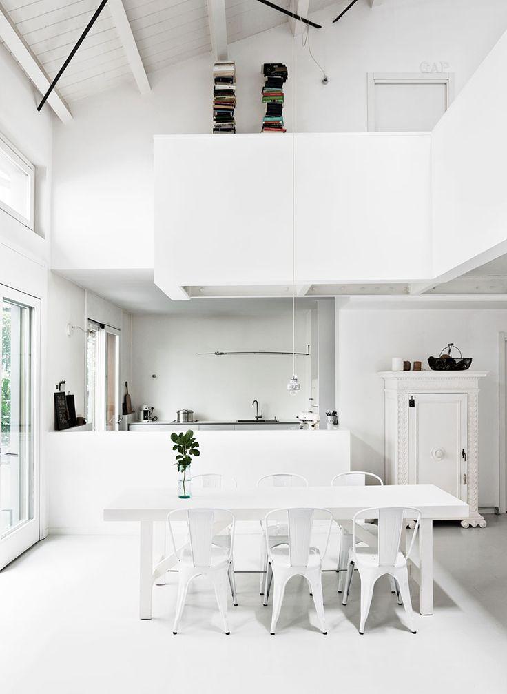 Två vackra våningar inredda i vitaste vitt | ELLE Decoration