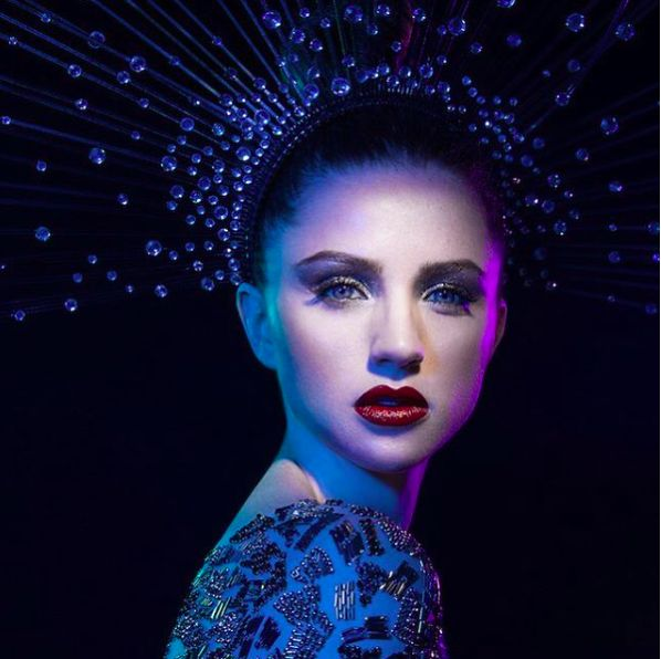 Photographer: Lindsay Adler @ lindsayadler_photo Styling: Lisa Smith Craig  @lscstyling Makeup Artist: Johnny Gonzalez  #zipettmagazine