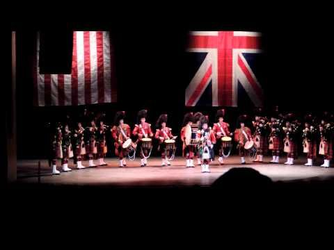 ▶ The Pipes & Drums of Black Watch (The Royal Regiment of Scotland) / The Scots Guard USA 2013 - YouTube
