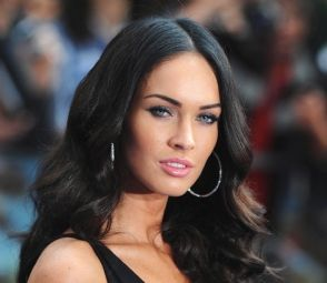 Megan Fox Workout Routine  Exercise 1: Lunges-each leg x 15 repetitions  Exercise 2: Jumping Jacks x 50 repetitions  Exercise 3: Push Ups x 12 repetitions  Exercise 4: Hip Extensions x 20 repetitons  Exercise 5: Burpees x 10 repetitions  Exercise 6: Squat Jumps x 12 repetitions  Exercise 7: Plank x 30 seconds  Exercise 8: High Knees x 30 repetitions  rest for 1 minute and repeat whole circuit.  Follow with 20-30 minutes of cardio