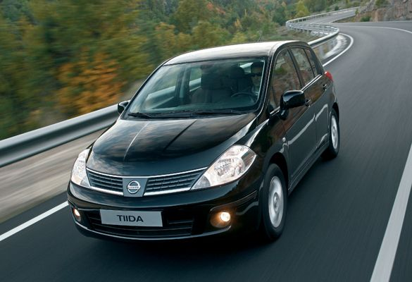 Nissan Tiida (2008) 1.5 dCi 3/4 Delantera