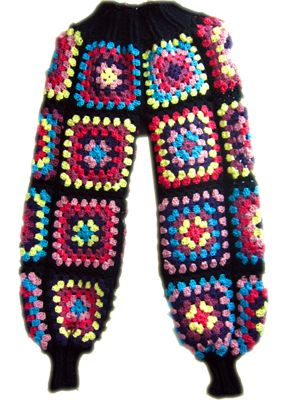 Pantalón tejido a crochet con terminaciones a palillo. #grannysquare #trousers #pants #handmade #knitted #crochet #knitting