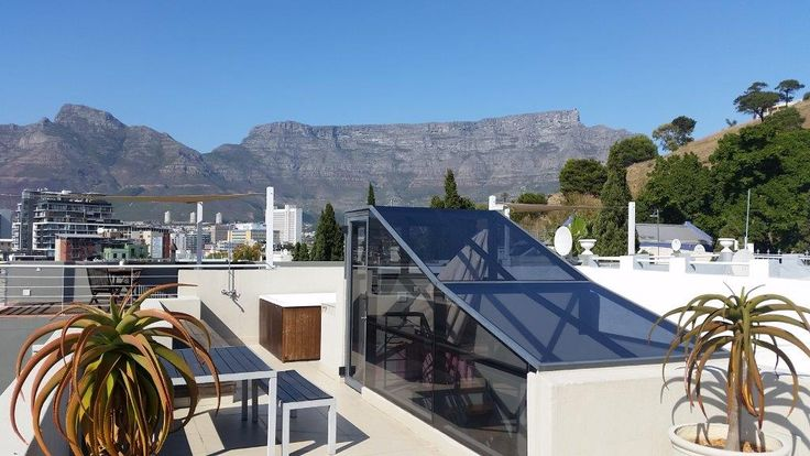 15 De Smit in Cape Town (Sleeps 6). Situated in trendy De Waterkant Village area of Cape Town. Private Roof Deck with views! #CapeTown #selfcatering #Southafrica