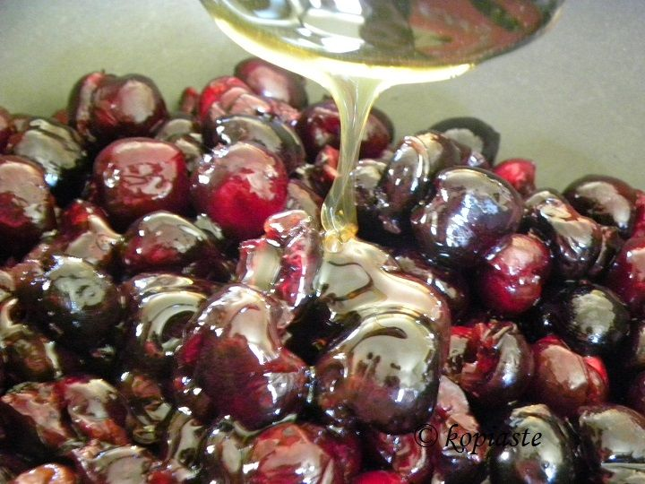 Cherry compote with honey and stevia (low calories) Κομπόστα κερασιών με μέλι και στέβια (με λίγες θερμίδες)  http://www.kopiaste.info/?p=13796  #Cherrycompote #κομπόστακερασιών #επιδόρπιαμελίγεςθερμίδες  #γλυκάμεστέβια