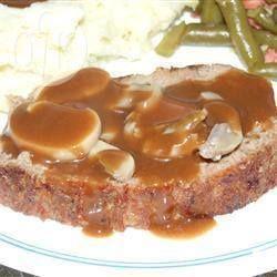 Photo de recette : Pain de viande et sauce brune aux champignons