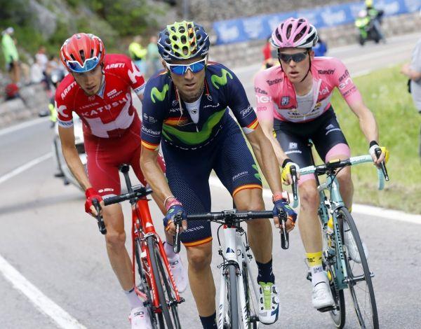 Tour d'Italie - #18 : l'étape la plus longue avant un final rude -  La montagne revient petit à petit dans les jambes des rescapés du Tour d'Italie. Avant l'arrivée dans les Alpes, les coureurs vont affronter l'étape la plus longue de ce Giro (240 kilomètres) et certainement l'une des plus difficiles à aborder. Car tout risque de se jouer dans les vingt derniers kilomètres.  http://size.blogspirit