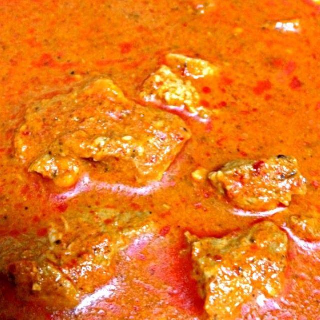 インド、ゴア州の郷土料理で、辛味と酸味が強く、クセになる豚肉のカレーです。 - 13件のもぐもぐ - ポークビンダルー by ひでお@東京町田