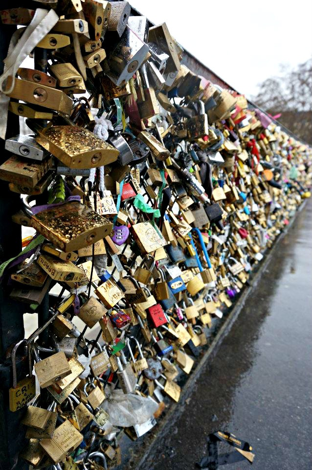 Paris Bridge of love. I am so going to go to this one day. <3 (: