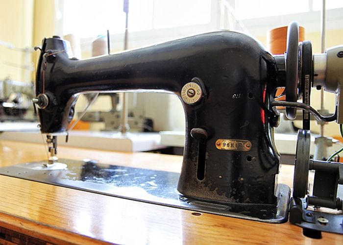 Singer 96K12 Industrial Sewing Machine I Want One