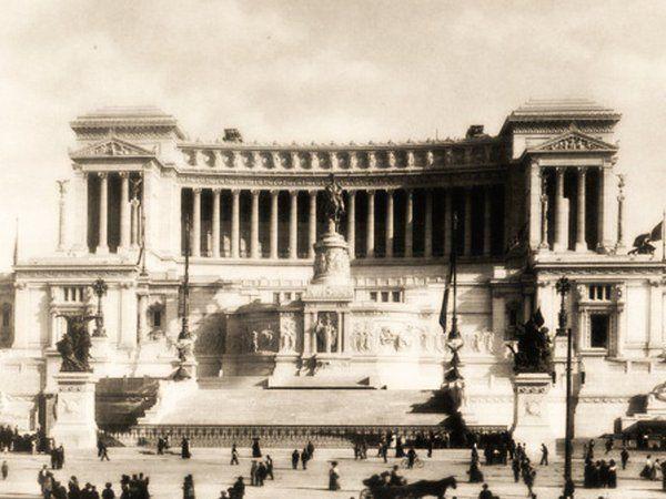 #Roma, 25 Aprile 1909, termina l'edificazione del #Vittoriano…