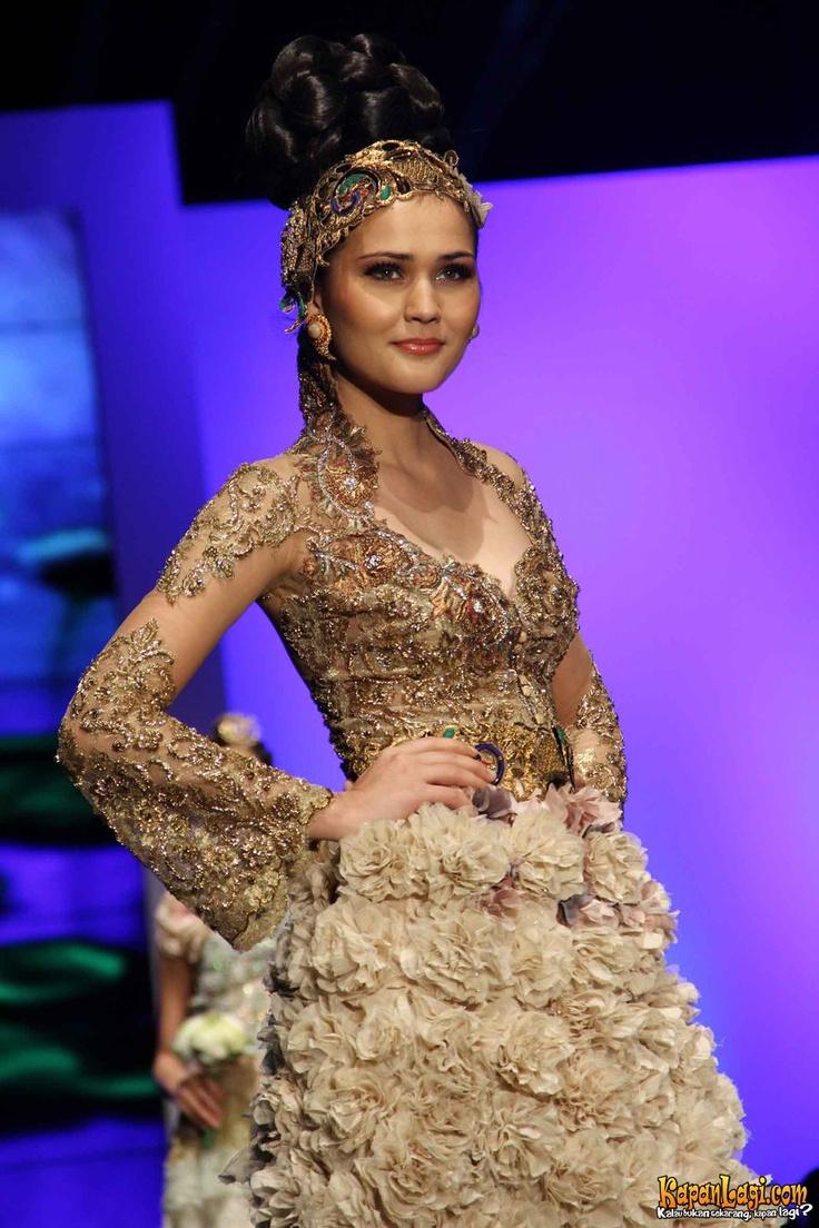Pictures of Foto Koleksi Anne Avantie Indonesia Sehati Ifw 2012 Di Plenary