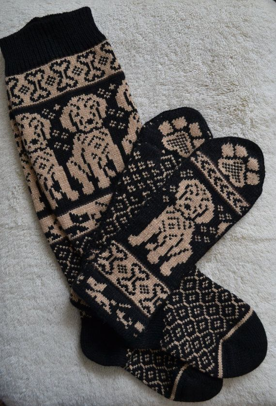 Hand Crafted 100% wool Knee Length socks and mittens set, M / L, Golden Retriever Labrador dog puppy