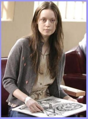 Summer Glau as Tess in the 4400