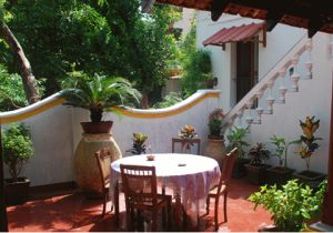 12 Hotels in Pondicherry Near the Beach for All Budgets: Dumas Guest House