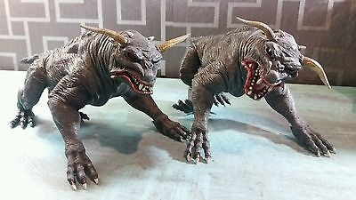 NECA Zuul Ghostbusters Demon Terror Dogs figure Set of 2 dogs loose
