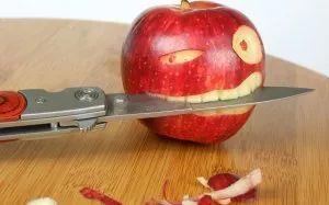 Злое яблоко - скачать обои на рабочий стол