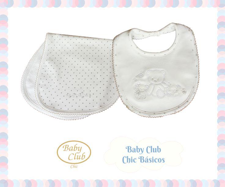 Básicos para el Recién Nacido. Amamos la lactancia materna y para ese gran momento te recomendamos un Baberito con revés de felpa y una Babita larga de hombro. Colección Baby Gift by Baby Club Chic.