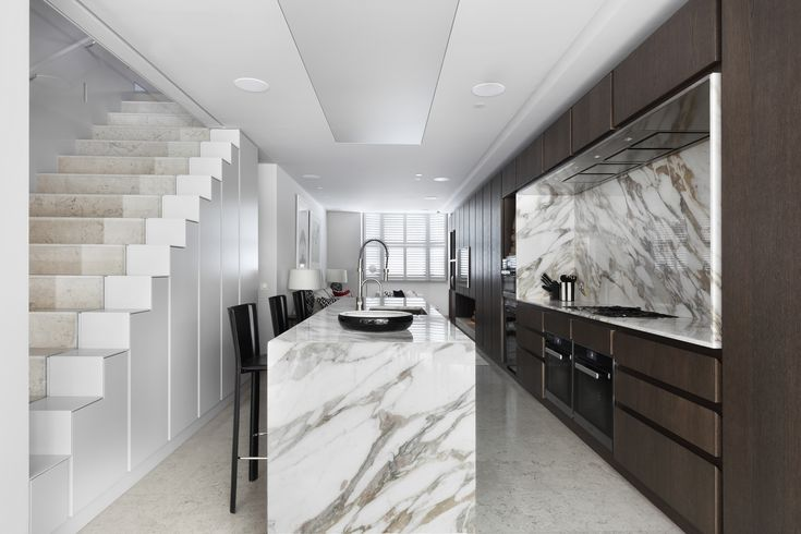 Redcliffe Road by MWAI Architecture & Interiors #whitegraymarble #kitchenmarble #kitchendesign #marbletable