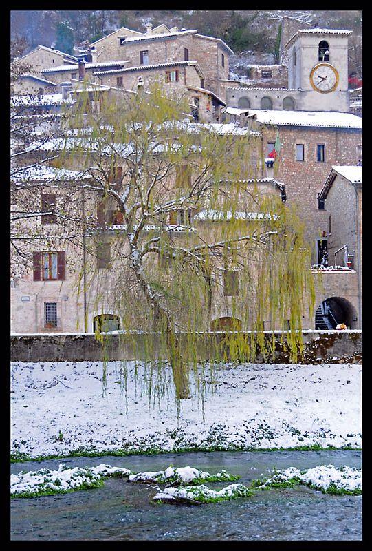 Winter snow at Scheggino, in Perugia, Umbria_ Italy