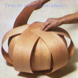 Lampara con listones de chapa de madera! muy fácil de hacer :)