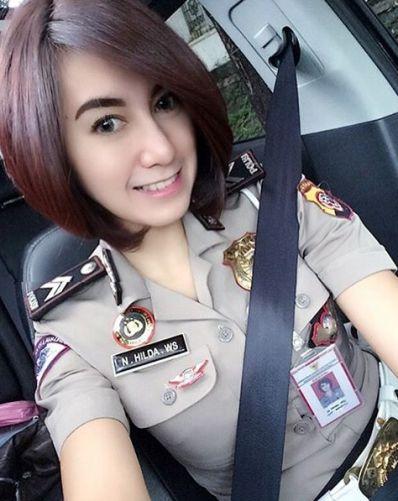 5 Polwan Paling Cantik Di Indonesia  http://www.selebriti.xyz/5-polwan-paling-cantik-di-indonesia
