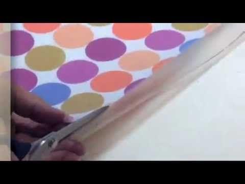 Vidéo sur le Lamifix: film plastique transparent qui s'applique simplement au fer à repasser pour imperméabiliser vos tissus.  Pour réaliser trousses de toilettes, sets de tables, cabas imperméables, corbeilles... Non lavable ! peut être épongé.