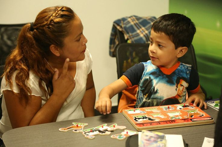De esta manera Juan José y Lilia podrán escuchar y tener una mejor calidad de vida, gracias a la ayuda de este dispositivo de alta tecnología.