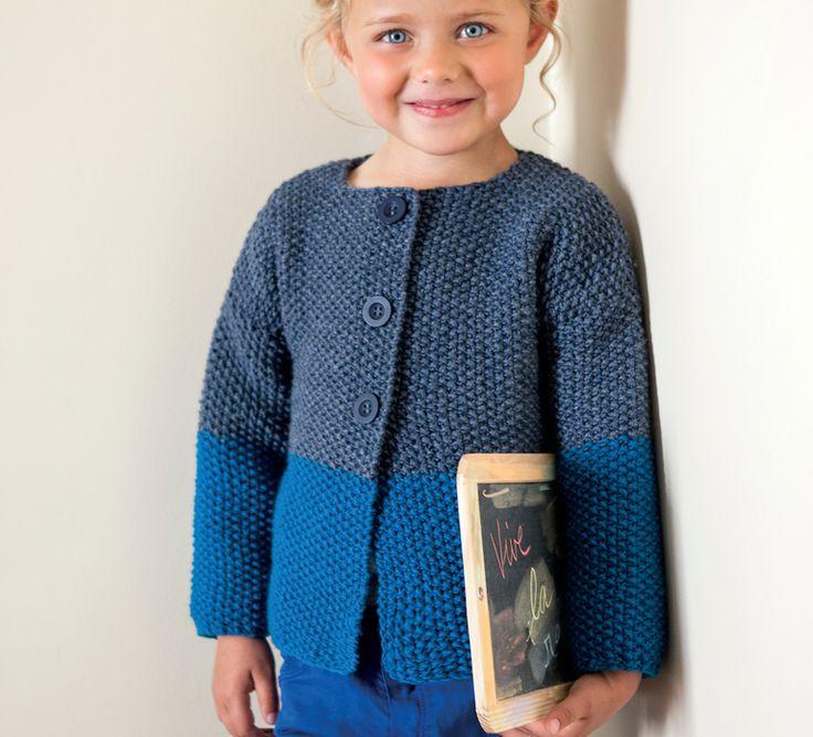 Très élégant ce gilet ras du cou fille tricoté en'Laine PHIL HARMONY' au point de riz. Très simple à réaliser, ce gilet ravira les tricoteuses les moins confirmées tout en habillant la petite d'un joli gilet chic et confortable.Modèle tricot n°26 du catalogue N° 112 : Bébés et enfants - Automne/Hiver 2014