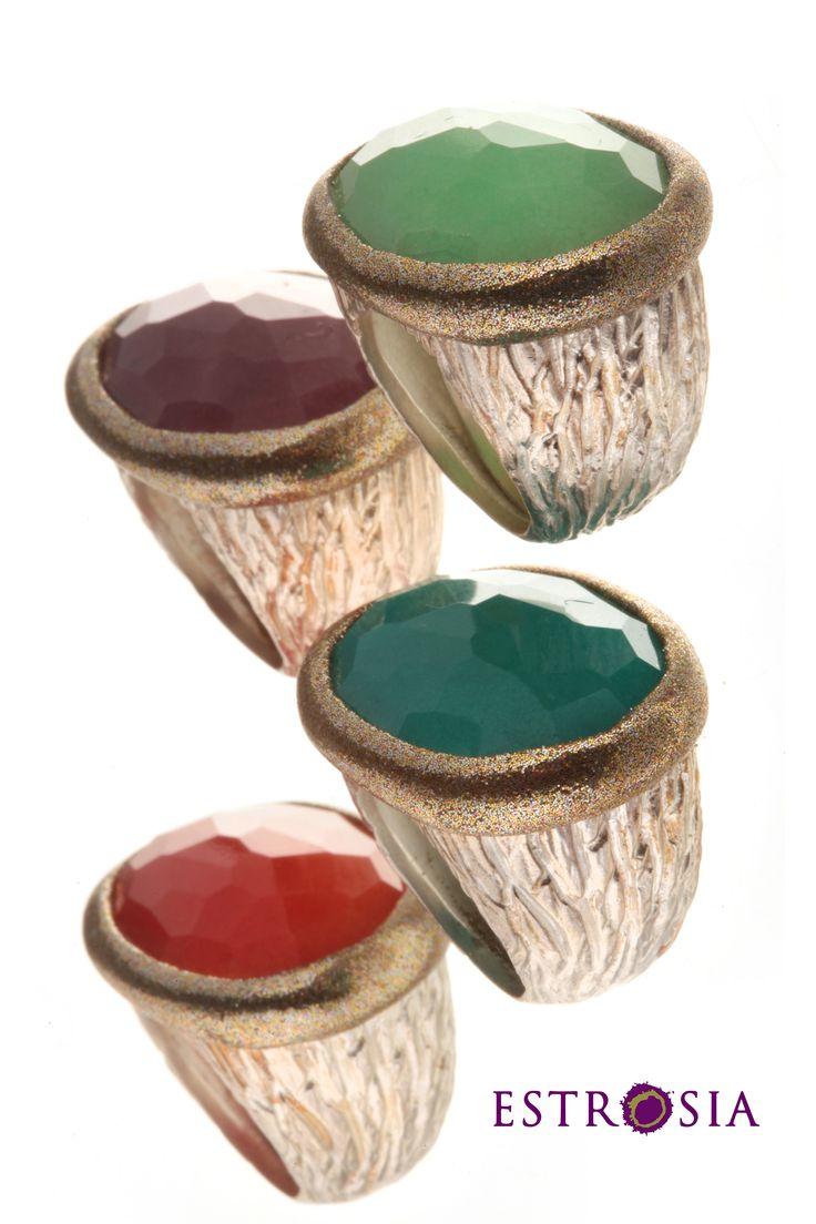 Estrosia gioielli argento e pietre preziose. Anello pietra Ovale disponibile in quarzo color arancio, turchese, rubino e crisprasio.