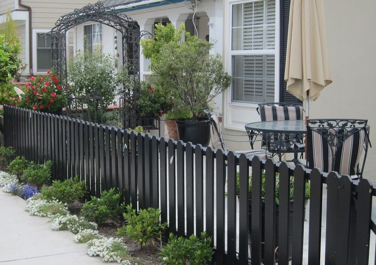 Black Picket Fence Long View Front Yard Fence Fence