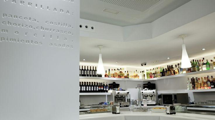 PORCELANOSA Group Projects: Bambú Restaurant in Salamanca #Porcelanosa #Krion #projects #interiordesign #restaurant