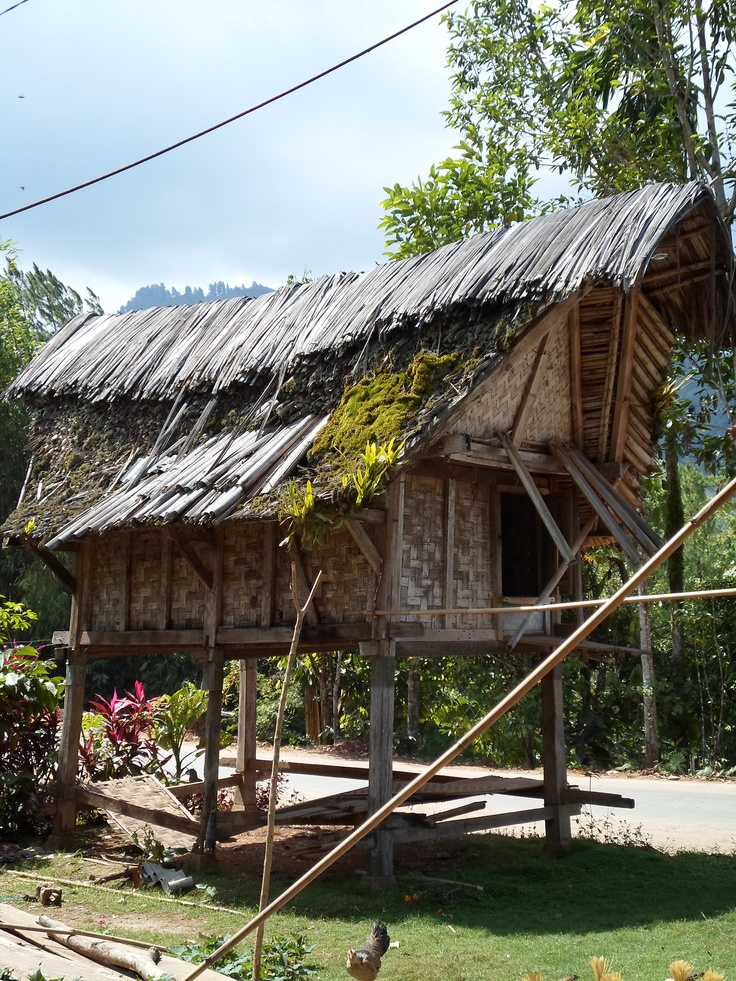 Lumbung Padi di Rumah Nenek