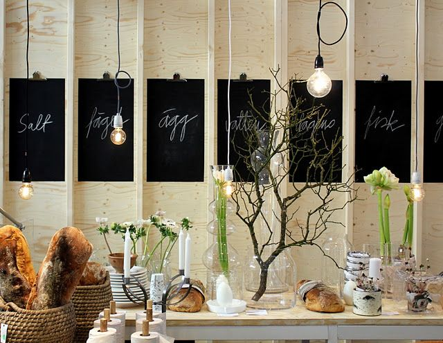 display in bread storeSwedish Design, Chalkboards Painting, Nordic Design, Tables Display, Display Ideas, Breads Stores, Buffets Tables, Flower Display, Stores Display
