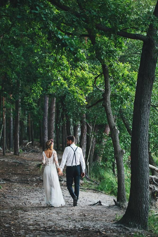 Would be cool to find a trail / somewhere private to do photos between ceremony and reception. Will be beautiful in October.