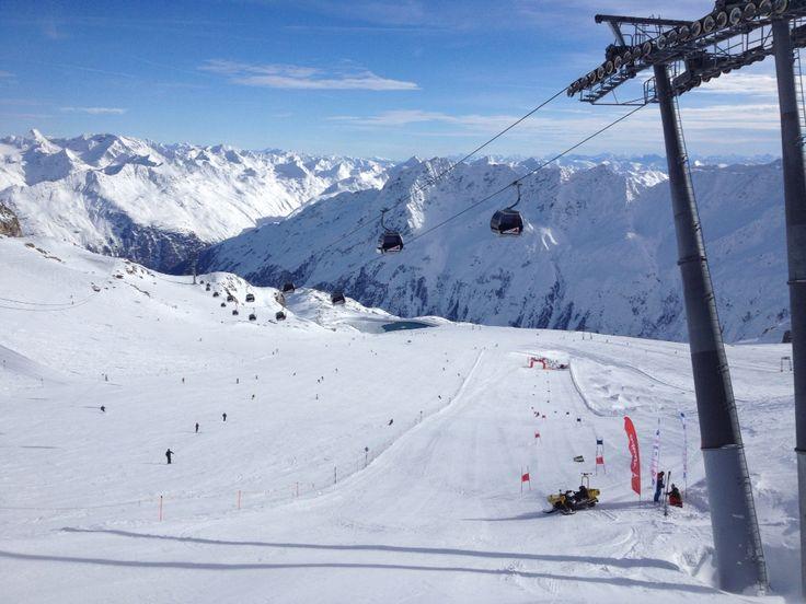Soelden Tiefenbach Gletscher. 11.2014